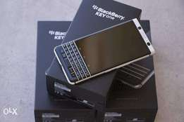 lcd screens for all blackberries available