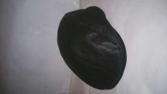 Ivy and newsboy hats(kangol) Nairobi CBD - image 4