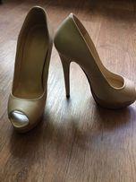 Лабутен Туфли - Жіноче взуття - OLX.ua 87314f00c83ce