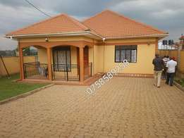 charming 3 bedrooms bangalow on sale in kira at 180m shillings