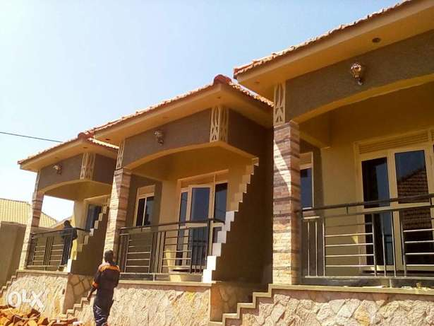 Brand new double room self contain house for rent in Kisaasi Kampala - image 1