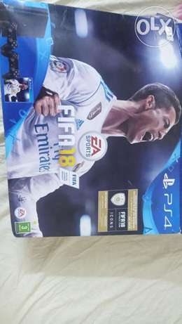 Ps4 1 tb with 2 consoles like new