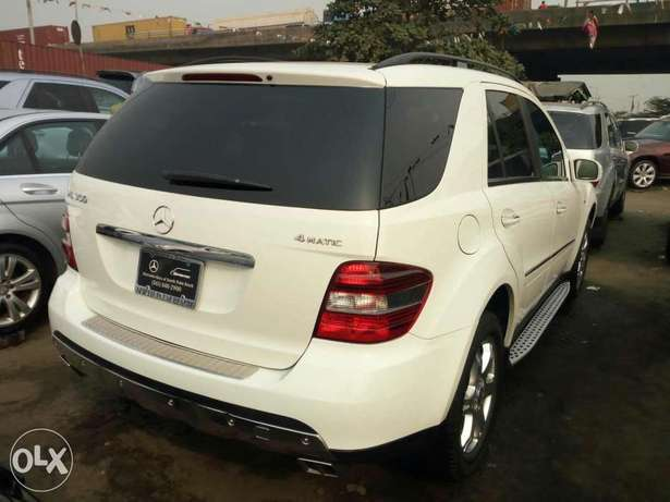 Very clean foreign used 2008 Mercedes-Benz Ml350 4matic. Negotiable Apapa - image 6