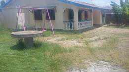 3 bedrooms own compound house to let at kiembeni