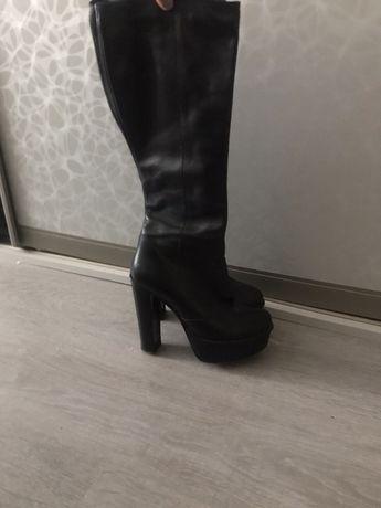Шкіряні осінні сапогі 38р  250 грн. - Жіноче взуття Київ на Olx 6add4156bd331
