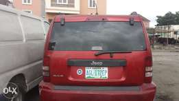Niz carz, very clean neat and maintained Nigerian used Jeep
