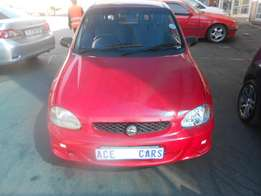 2002 Corsa 1.6 iS sports selling for R40000