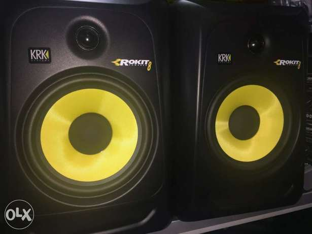 Brillar KRK RP8G3 NA Rokit 8 Generation 3 Powered Studio Monitor D