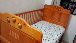 Baby cot and mattress 2.5X4.5 feet