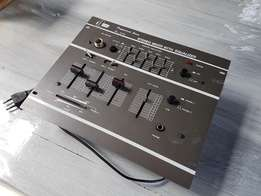 Professional series SL-210 sound mixer