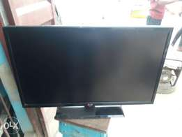 32 inches LG tv