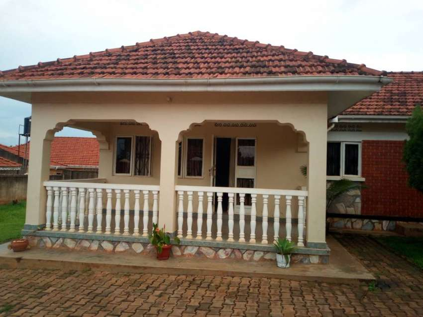 Three Bedroom Stand Alone House For Rent In Naalya At 120k Houses