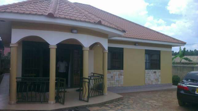3 bedroom banglow seated on 12decimals in kira at 25m Kampala - image 3