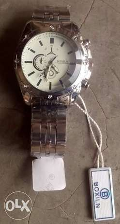 brand new watch for quick sale Lagos - image 1
