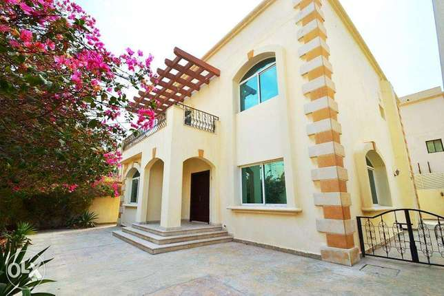 5-bed stand-alone villa with private pool in Abou Hamour