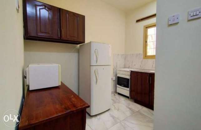 Fully Furnished 1 Bedroom Outhouse Near Almeera الوعب -  3