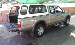 2006 Ford Ranger XLT supercab with canopy