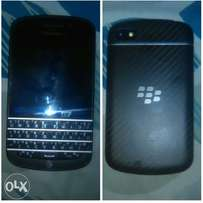 CLEAN blackbery Q10 fully upgraded for andriod apps