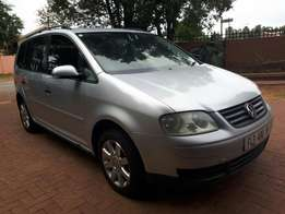 Vw touran 1.9 TDI DSG, In a great condition for sale,