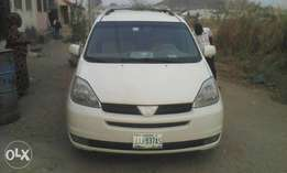 Sienna XLE 2004 with low mileage