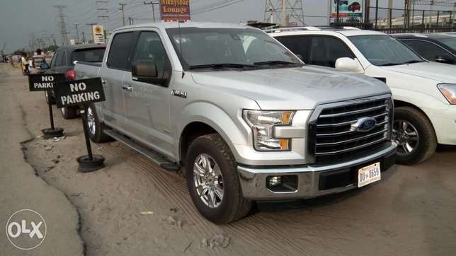 Clean 2017 Ford F-150 XLT Texas Edition Pick Up Truck With Rev Camera Lekki - image 1