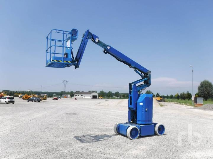Genie Z30/20N Electric Articulated - 2001