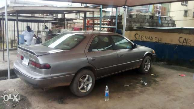 Toyoty camry very clean Buy and drive 1998 Isolo - image 2