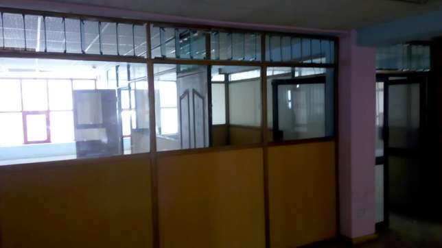 Muigai commercial ,office space to let on 2nd and 5th flr Kenyatta Ave Nakuru East - image 5