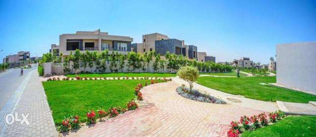 Twin House 605M Delivery Now with installments 3y sheikh zayed