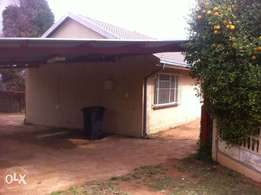 2 Bedroom Garden Cottage for rent Groblerspark, Roodepoort