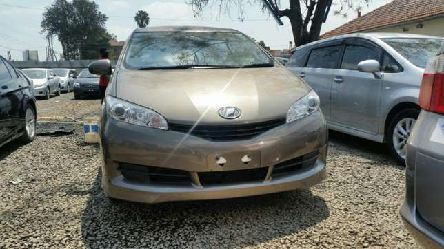 Clean newshape Toyota wish choice of 2010model.buy on hire-purchase Lavington - image 1