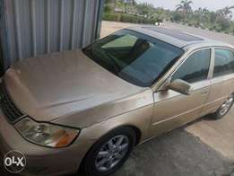 Clean toyota avalon few months used