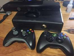 XBox 360 S 250GB + Controllers + Kinect + Games (incl Infinity 3.0)
