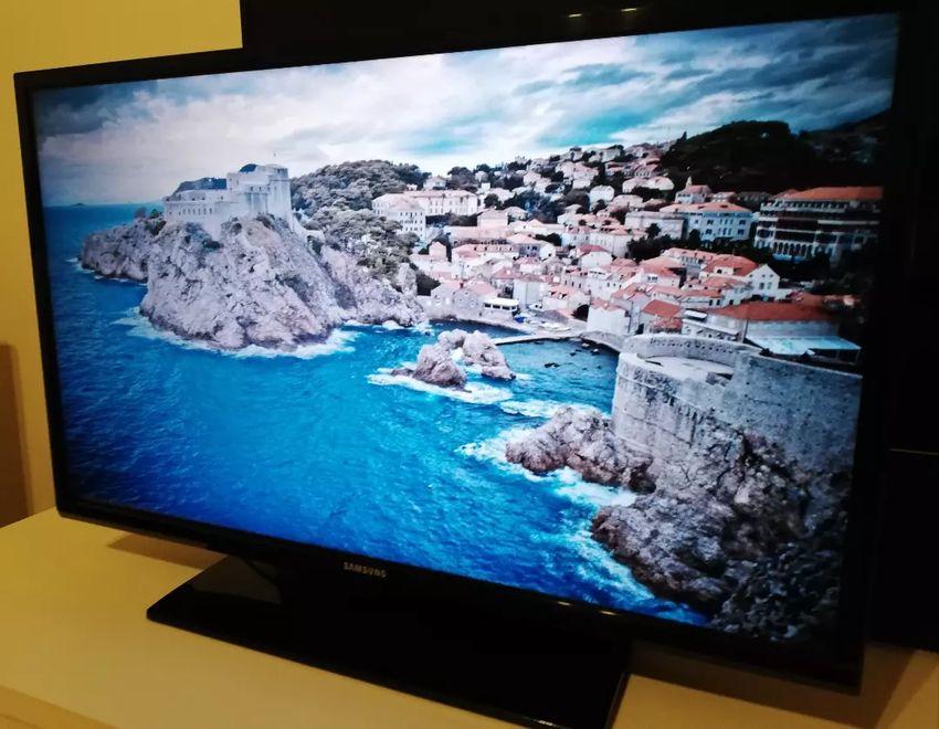56e9fdc66 LED TV Samsung UE32EH4003 - TV a monitory - 14969521   letgo Česká ...