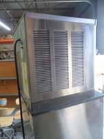 Used Scotsman 300 lb Air Cooled Ice Machine w hopper - Cube Size.