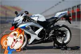 Suzuki gsxr 600 with monthly payments wanted
