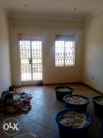 Very cheap cute two bedrooms for rent in Kira Kampala - image 2