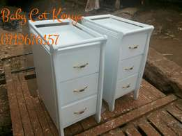 3 Drawers chest.