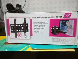 40 inch Hisense digital tv comes with a wall bracket