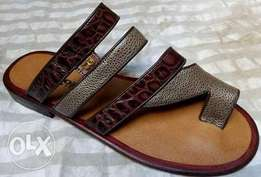 Men slippers made from genuine leather WA the same thing to Happen In