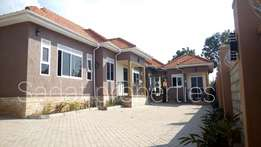 Posh and lovely 2 bedroom house in Kyanja at 1m