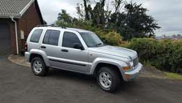Jeep Cherokee 3.7 Sport A/T 4x4 with only 102000km for sale