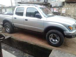 Neatly Used Toyota Tacoma with Double Cabin 1.4mill