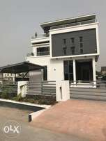 Brandnew 5 bedroom fully detach duplex for sale in acadia estate 300m