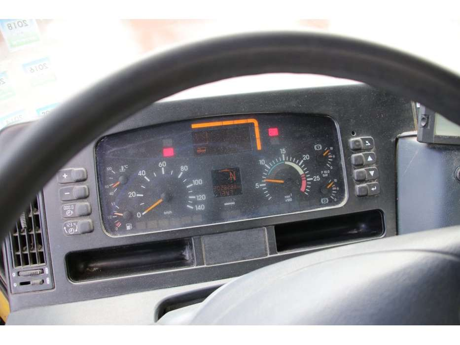 Mercedes-Benz ACTROS 2040 AS+SEMI MIXER LIEBHERR 10M3 - 2002 - image 9