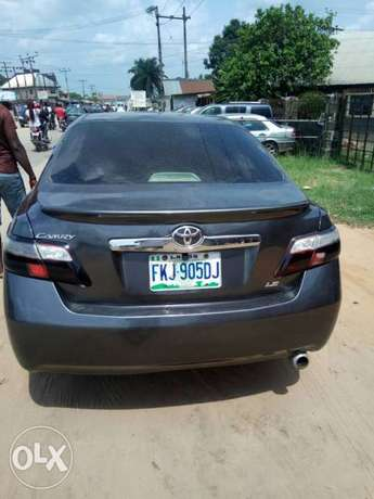 A super clean Toyota Camry LE (Spyder) Warri - image 4