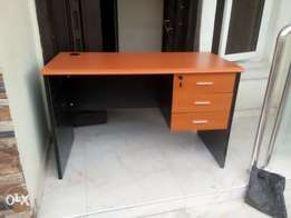 Z-4 Office 4ft Suitable Table (New)