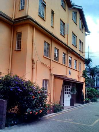 Office to let on ngong rd Kilimani - image 1