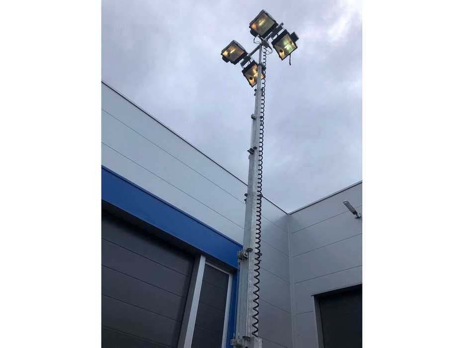 Doosan LSV 9 light tower - 2015 - image 12