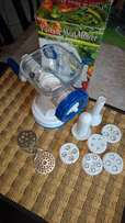 Bargain ! Never used ! Pasta and mince maker ! Many attachments !